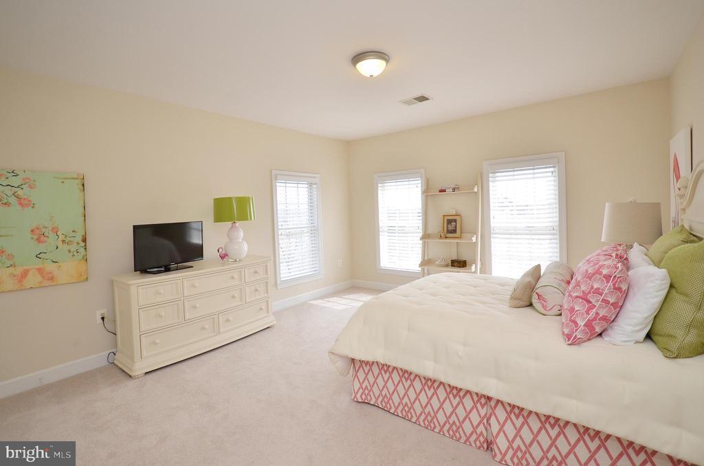 Bedroom #2 - 13291 APRIL CIR, LOVETTSVILLE