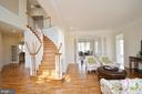 Curved oak staircase and elegant hardwood floors! - 13291 APRIL CIR, LOVETTSVILLE