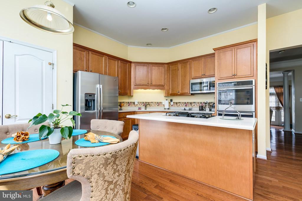 kitchen & dining - 21965 WINDOVER DR, BROADLANDS