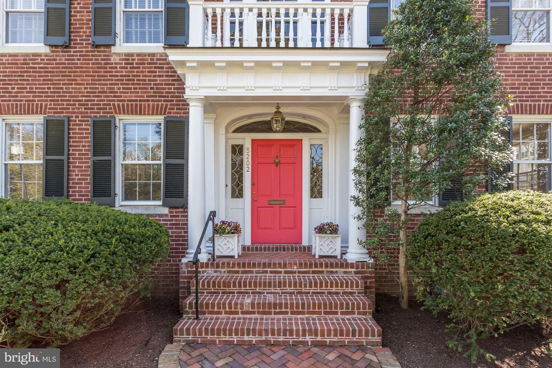 Additional photo for property listing at 5202 Edgemoor Ln Bethesda, Maryland 20814 United States