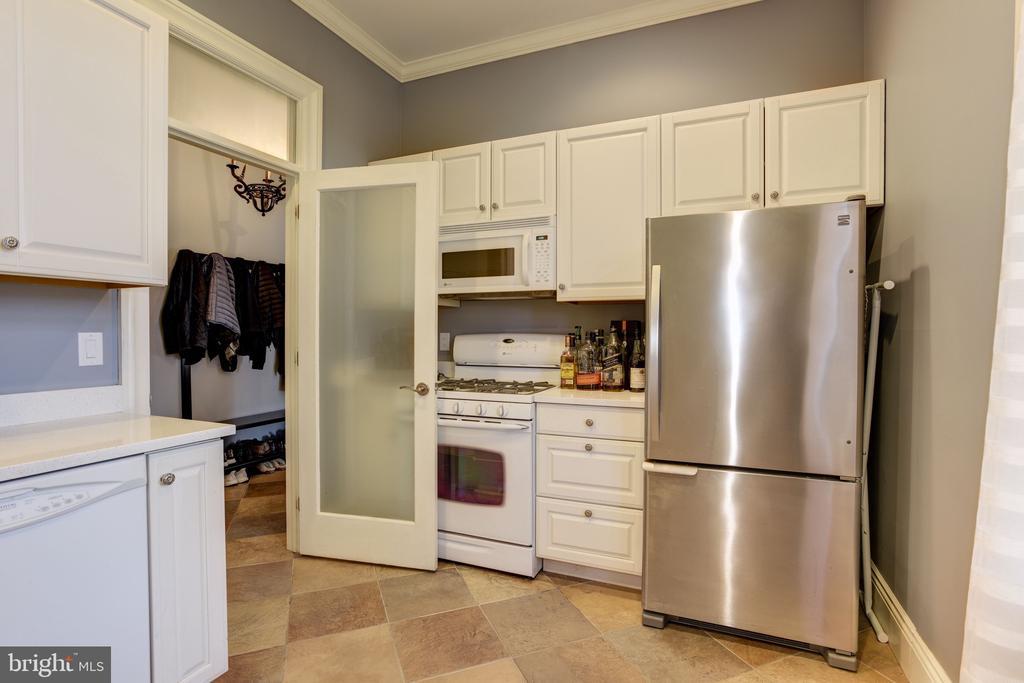 Main Level  2nd Kitchen - 8544 LEISURE HILL DR, BALTIMORE