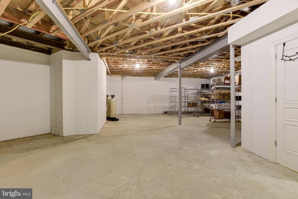 Lower Level Expansive Storage - 8544 LEISURE HILL DR, BALTIMORE