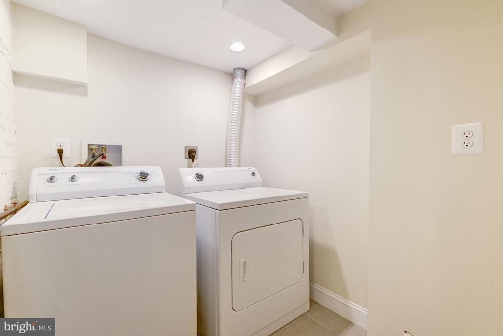 Lower level washer dryer - 4115 10TH ST NE, WASHINGTON