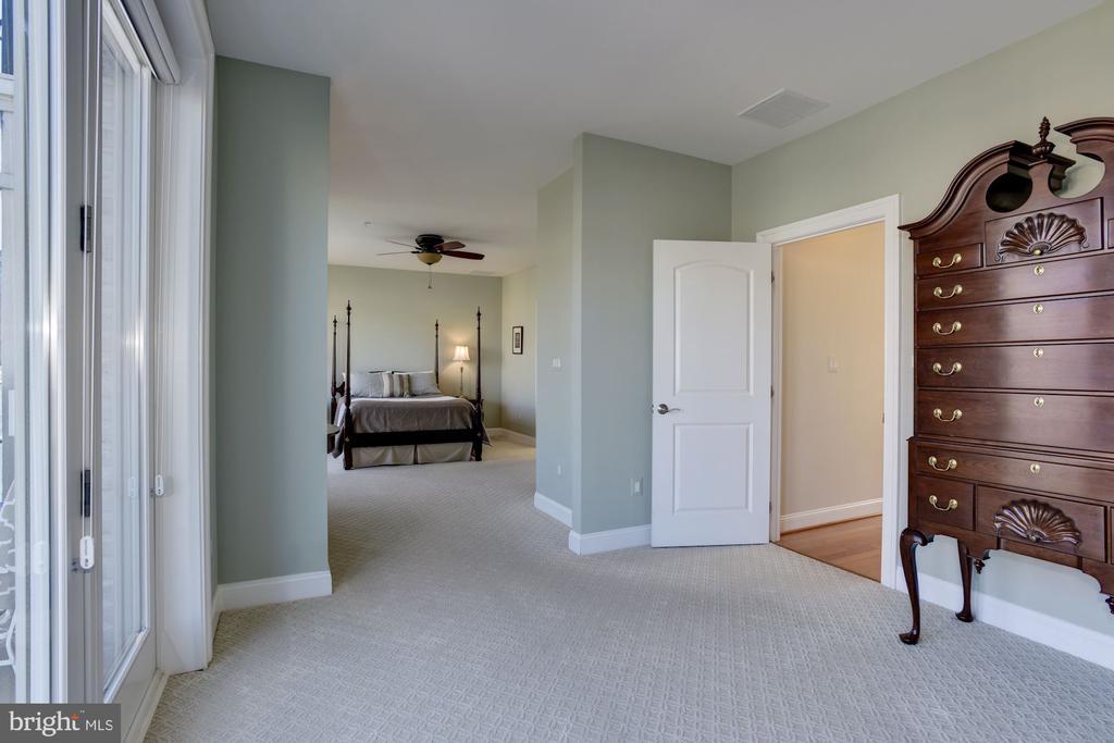 Master Bedroom Sitting Room - 632 PONTE VILLAS SOUTH #146, BALTIMORE