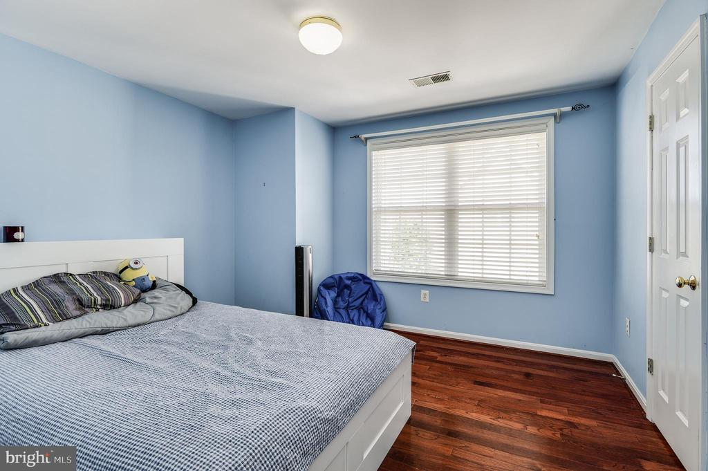 2nd bedroom - 8247 ELECTRIC AVE, VIENNA