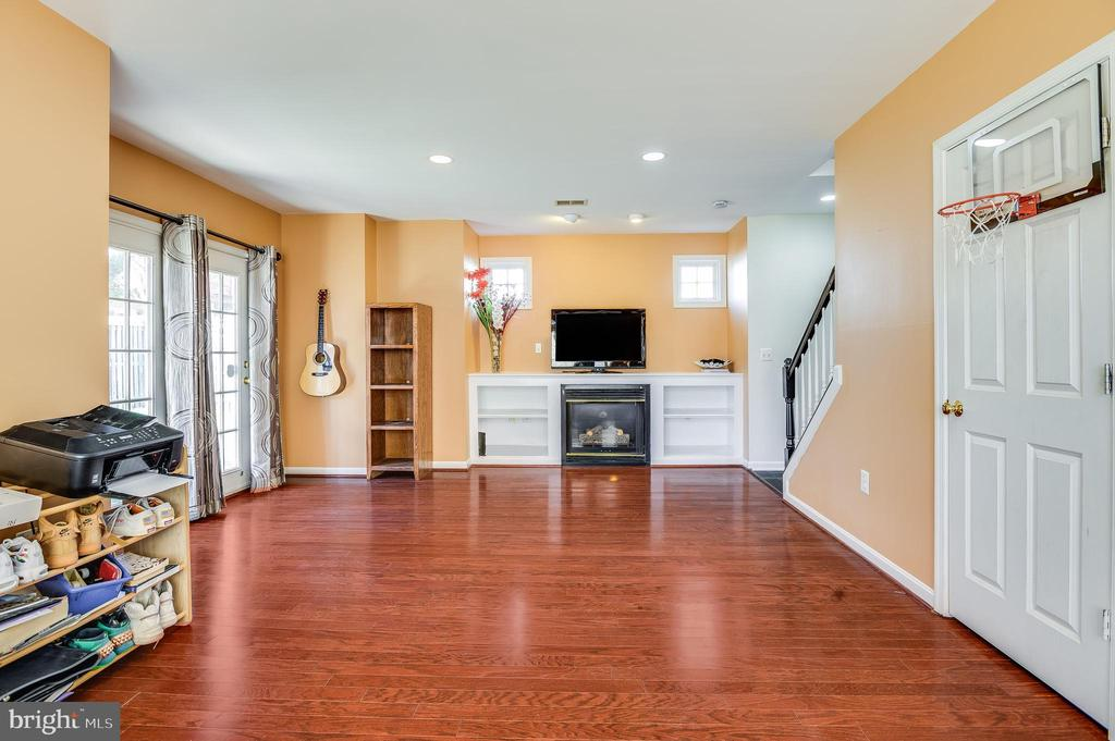 spacious basement - 8247 ELECTRIC AVE, VIENNA