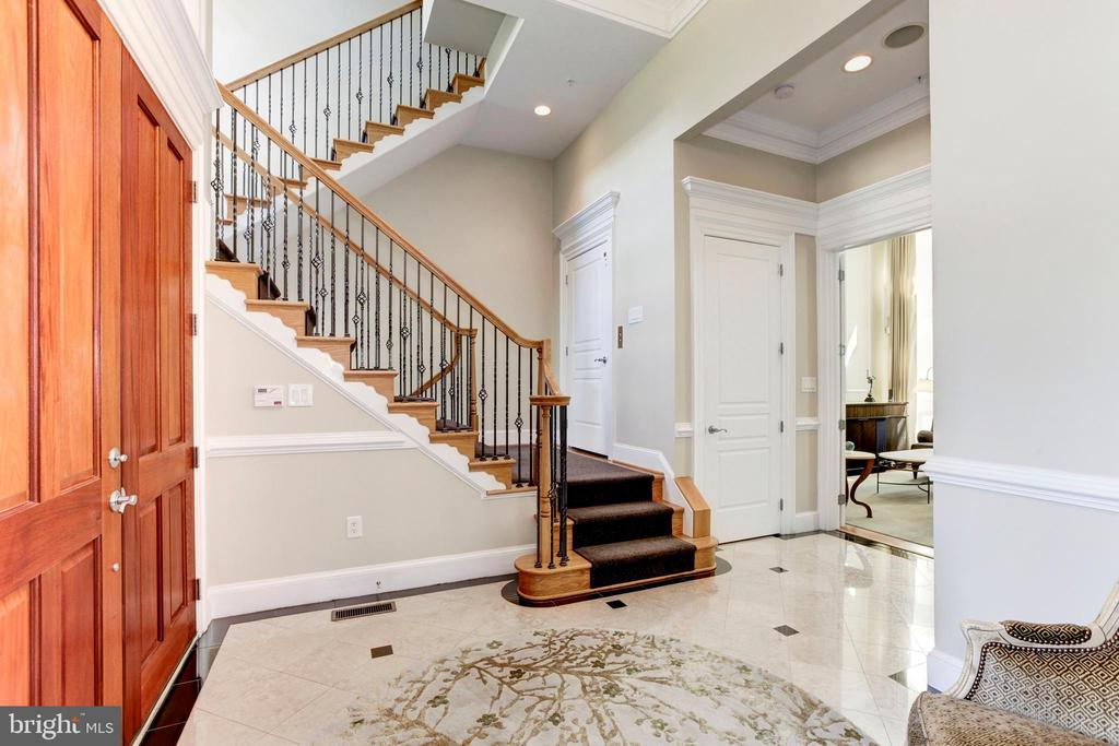 Stunning foyer featuring beautiful floors - 1419 N NASH ST, ARLINGTON