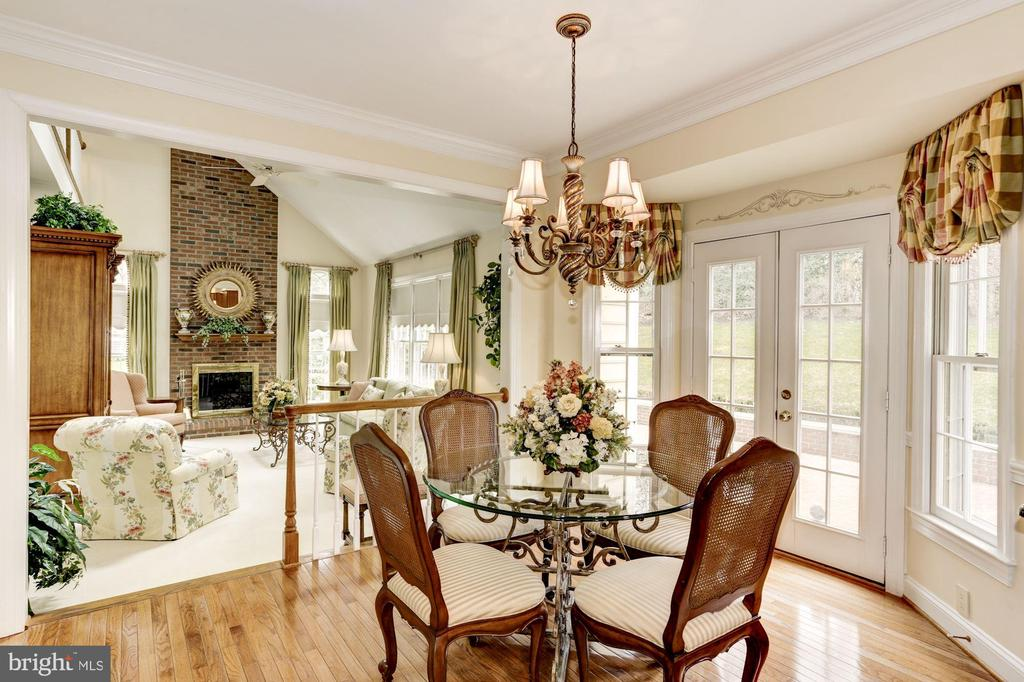 Stunning view of Family Room from Breakfast area - 1114 ROUND PEBBLE LN, RESTON