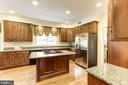 Gourmet Kitchen with tons of cabinets w/pullouts - 1114 ROUND PEBBLE LN, RESTON