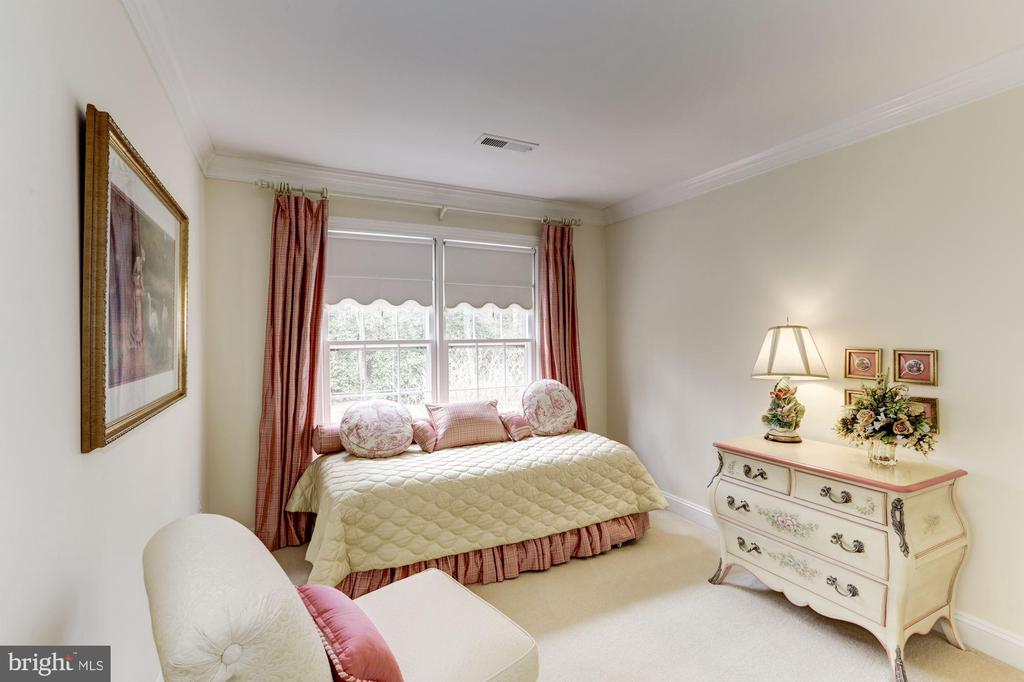 Lovely bedroom 4 has nursery written all over it - 1114 ROUND PEBBLE LN, RESTON