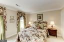 Bedroom 2 is filled with light & lovely for guests - 1114 ROUND PEBBLE LN, RESTON