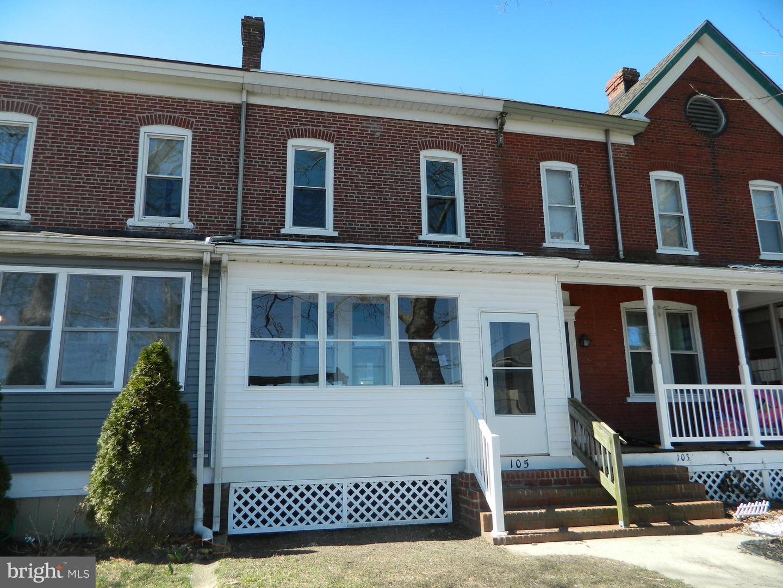 Maison unifamiliale pour l Vente à 105 2ND Avenue Roebling, New Jersey 08554 États-Unis
