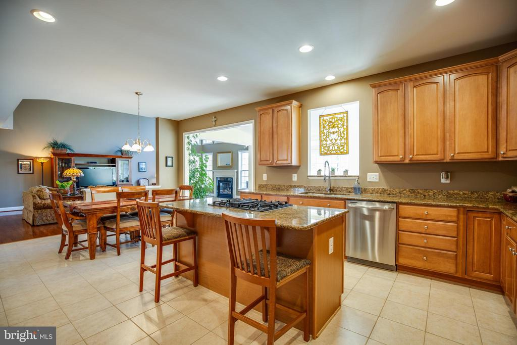 Kitchen with Granite Counters - 30 PROSPECT DR, FREDERICKSBURG