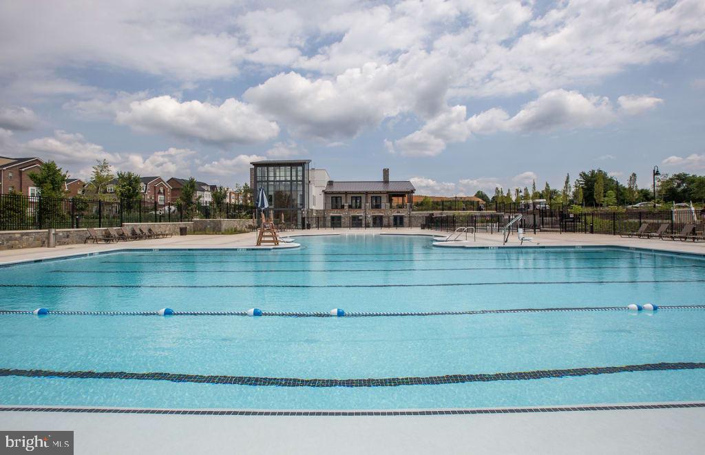 Pool - 324 STEINBECK AVE, GAITHERSBURG