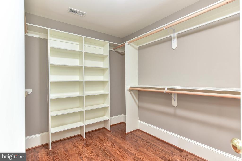 One of two Master closets - 402 PRINCETON BLVD, ALEXANDRIA