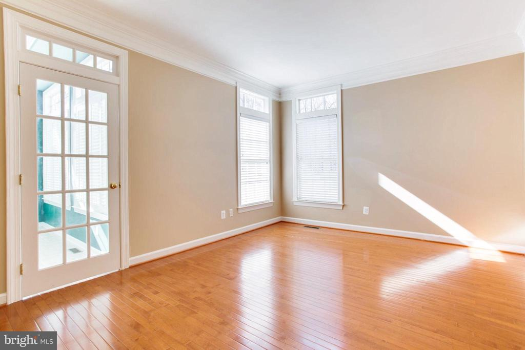 Main Level Expandable Bedroom/Office - 42739 CEDAR RIDGE BLVD, CHANTILLY