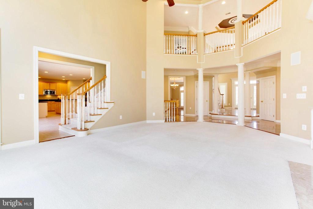 Spectacular Family Room - 42739 CEDAR RIDGE BLVD, CHANTILLY