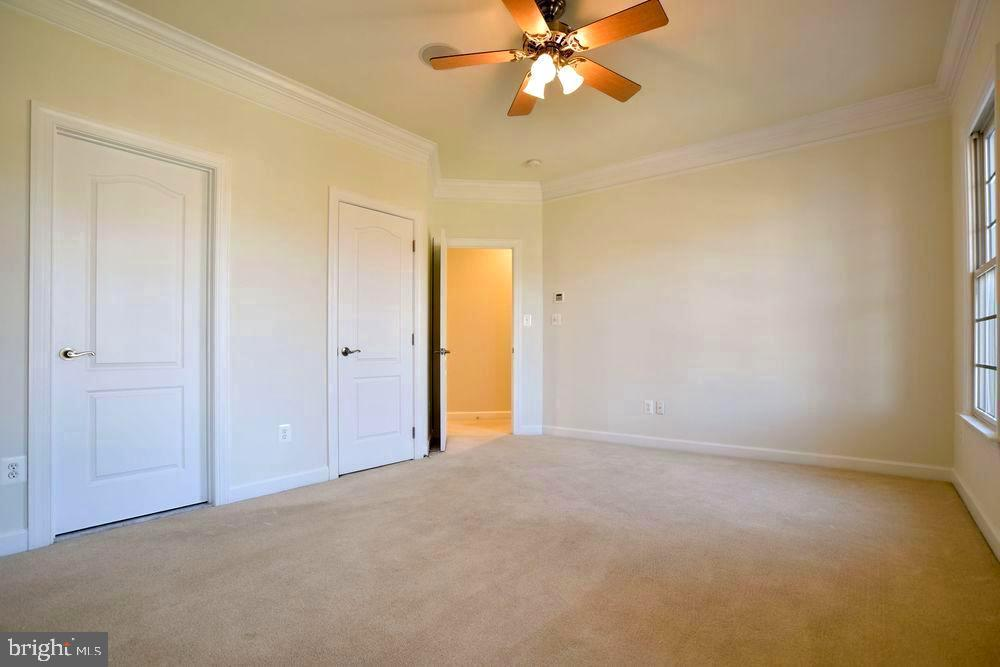 Bedroom 2 with full bath - 43263 PARKERS RIDGE DR, LEESBURG