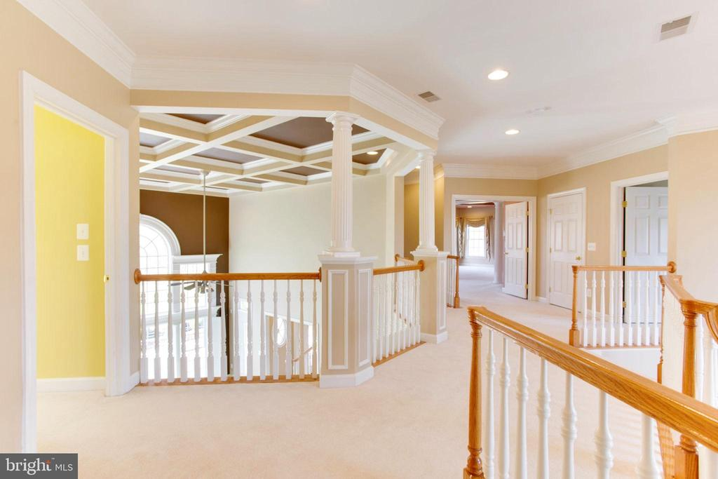 Inviting Spacious Upper Foyer - 42739 CEDAR RIDGE BLVD, CHANTILLY