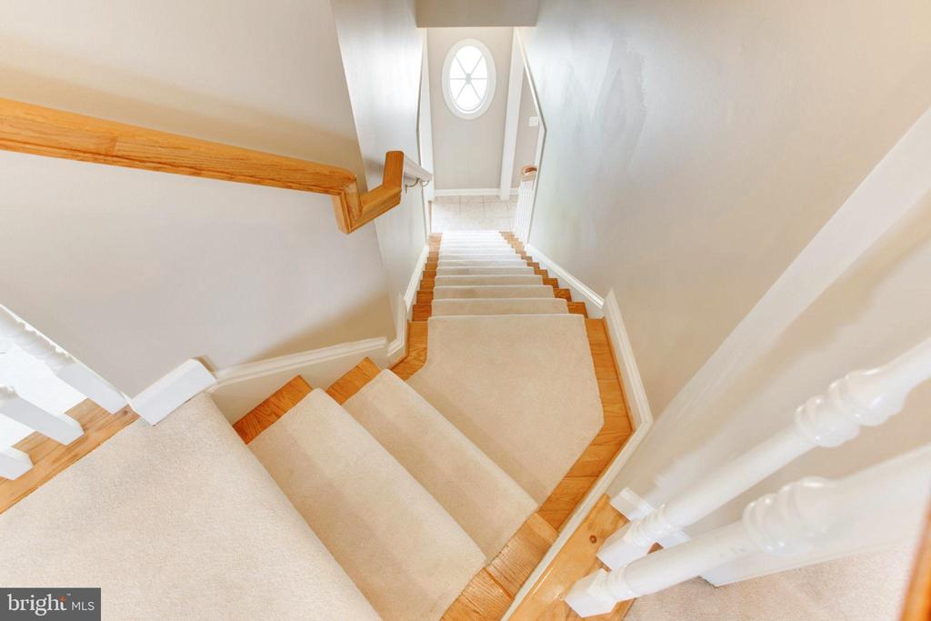 Dramatic Rear Staircase - 42739 CEDAR RIDGE BLVD, CHANTILLY