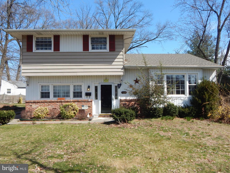 Maison unifamiliale pour l Vente à 150 SCHUBERT Avenue Runnemede, New Jersey 08078 États-Unis