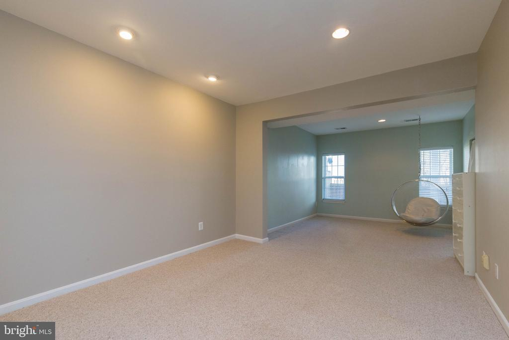 Spacious Recreation Room - 1978 LOGAN MANOR DR, RESTON