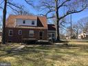 Lots of space - 4300 SKYLINE DR, SUITLAND