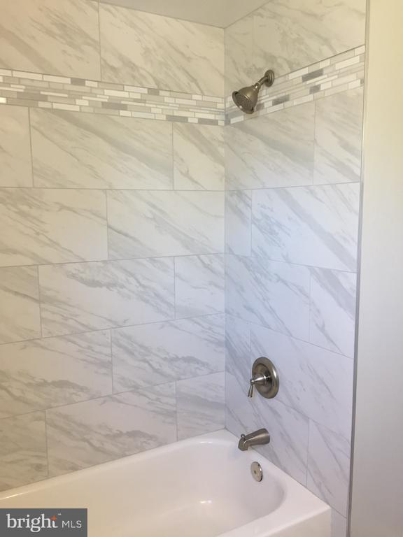 Brand New Bathroom - 4300 SKYLINE DR, SUITLAND