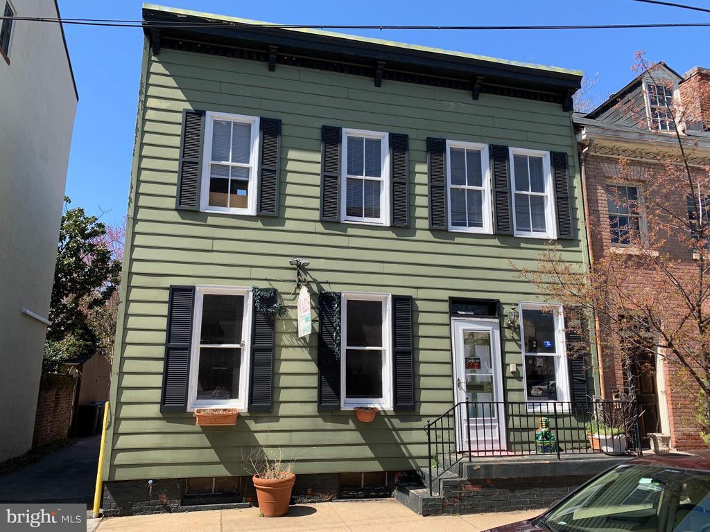 121 S HENRY STREET, Alexandria, Virginia