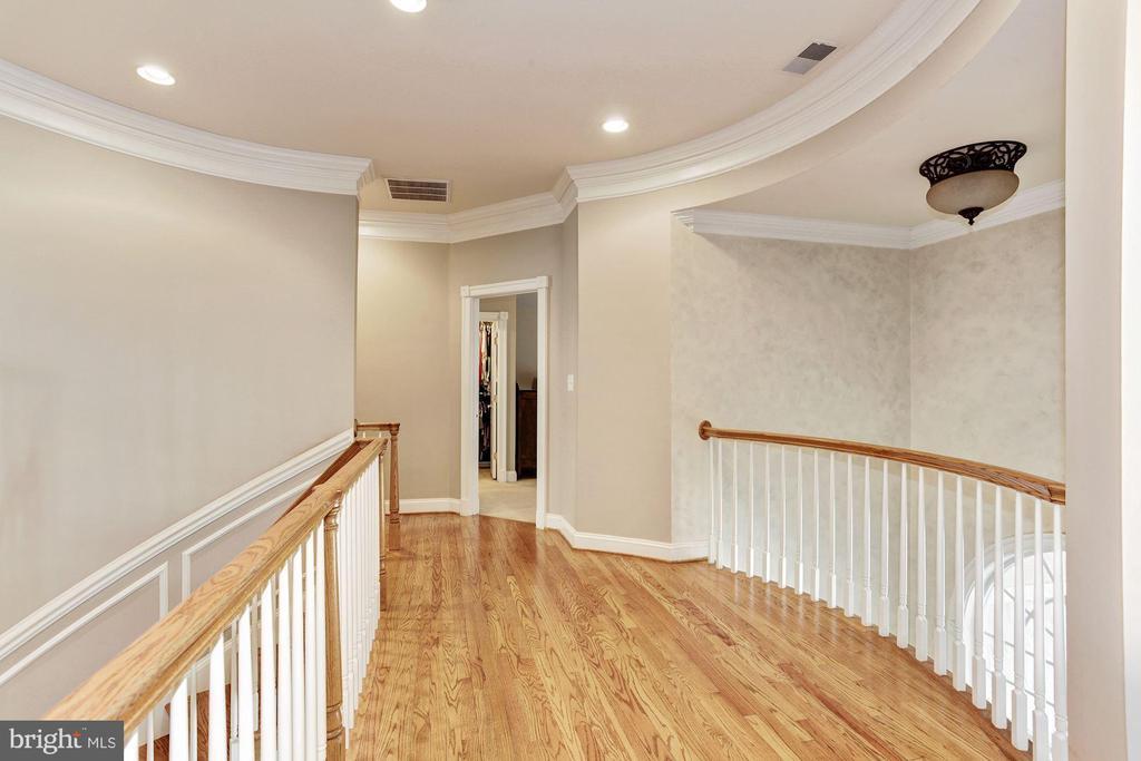 Second Level Foyer - 3509 SCHUERMAN HOUSE DR, FAIRFAX