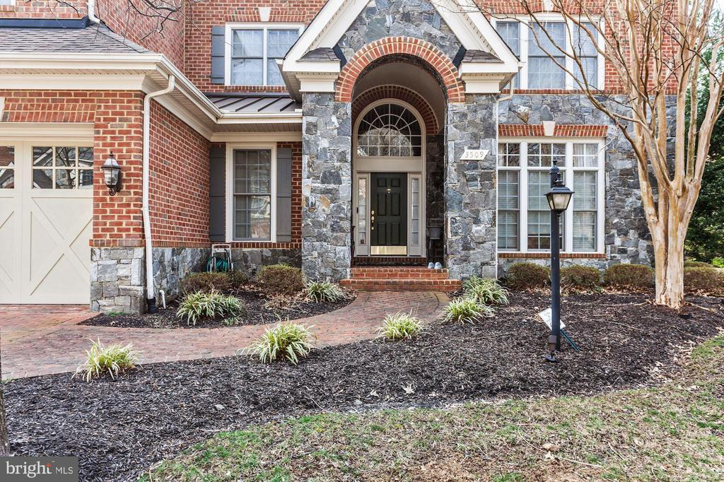 Amazing Landscaping - 3509 SCHUERMAN HOUSE DR, FAIRFAX