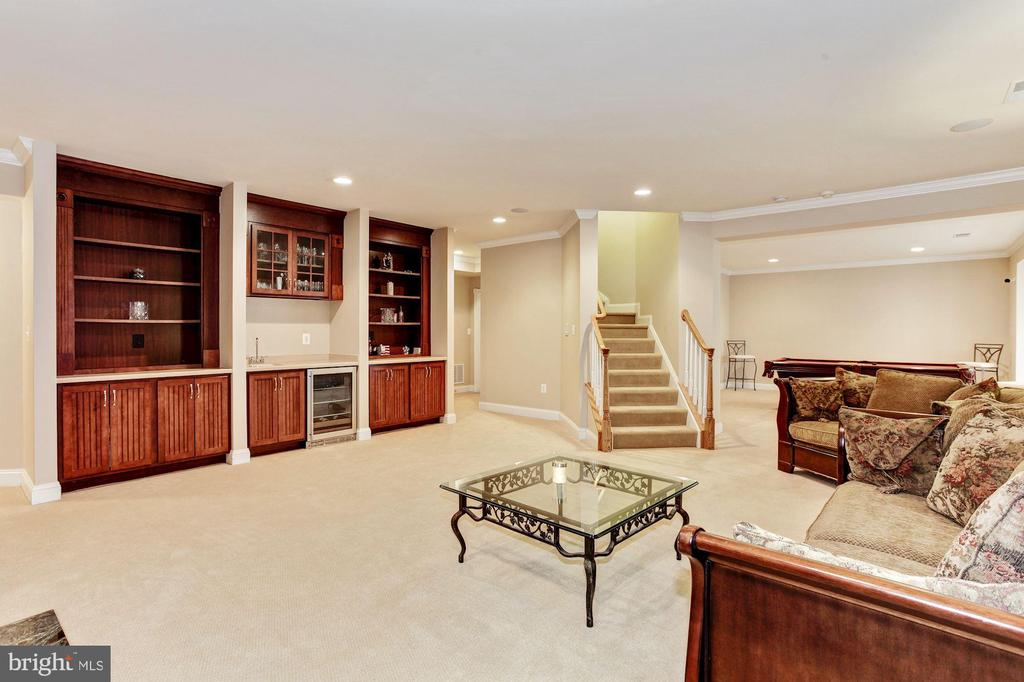 Entertainment awaits in the massive lower level - 3509 SCHUERMAN HOUSE DR, FAIRFAX