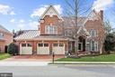 Four Sides Custom Brick Home - 3509 SCHUERMAN HOUSE DR, FAIRFAX