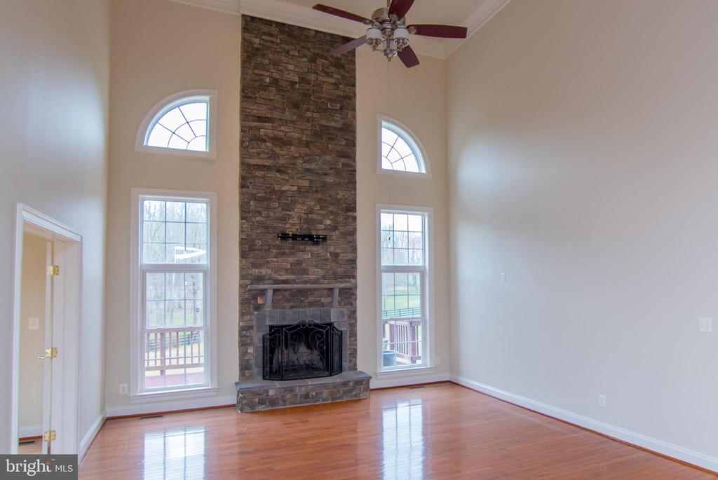 Family room door to left it to 2nd study - 36895 LEITH LN, MIDDLEBURG