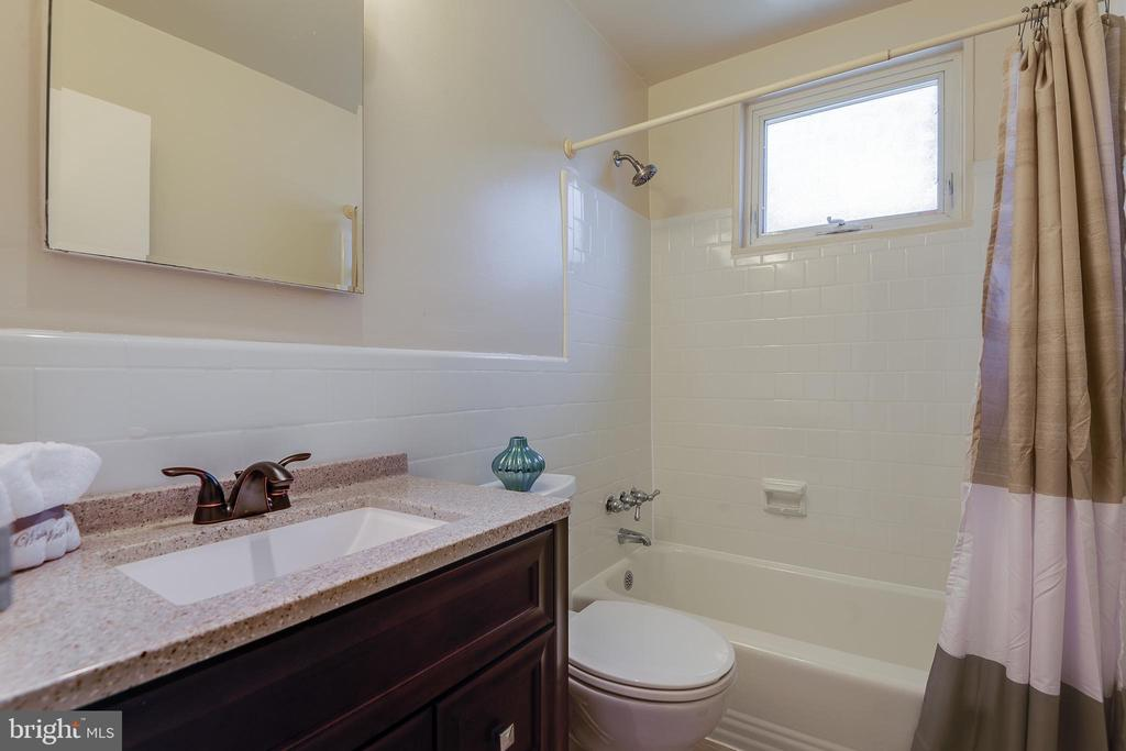 Renovated bathroom - 2400 41ST ST NW #513, WASHINGTON
