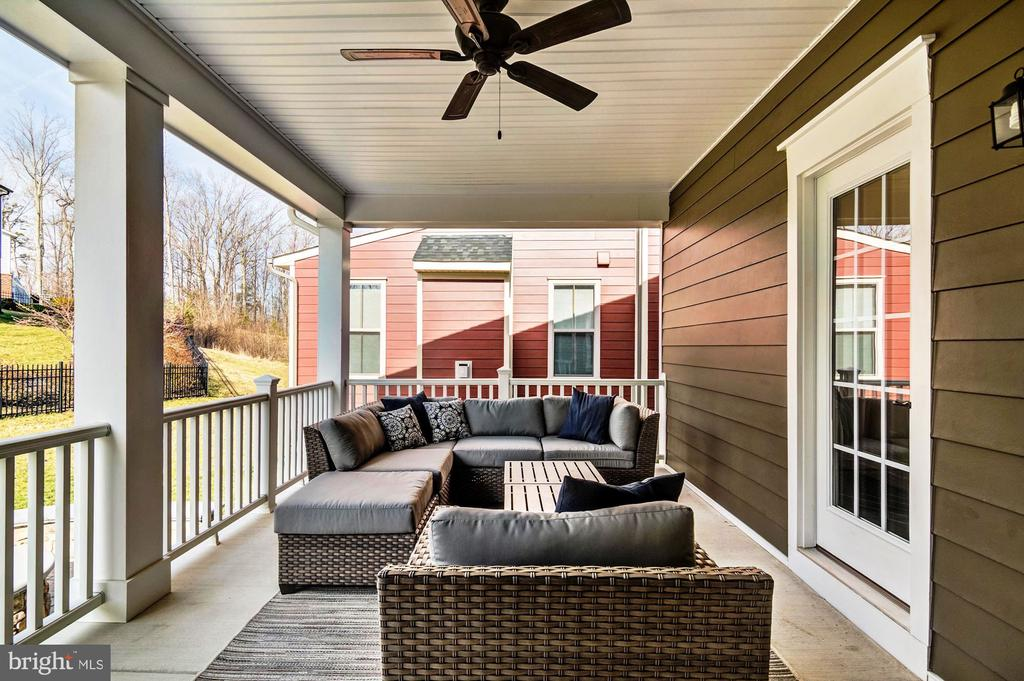 Relax on the Back Porch! - 17152 GULLWING DR, DUMFRIES
