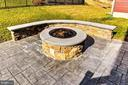 Your Own Built-in Fire Pit! Smores, Anyone? - 17152 GULLWING DR, DUMFRIES