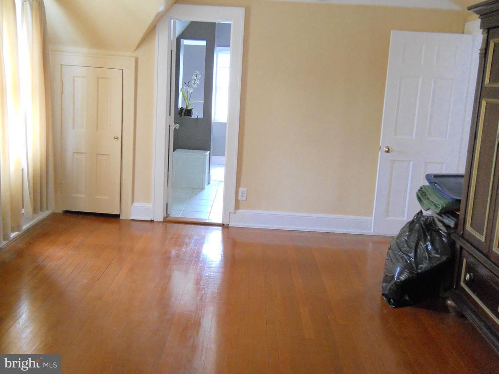 Master Bedroom - 3123 GLEN CARLYN RD, FALLS CHURCH