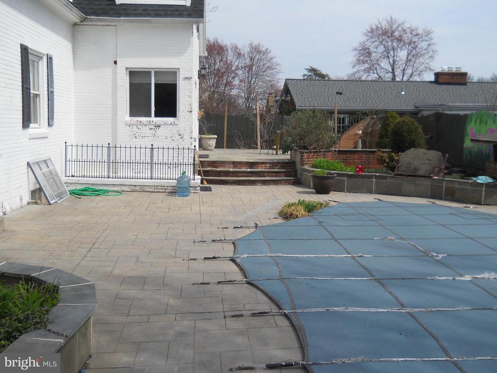 Stone Patio - 3123 GLEN CARLYN RD, FALLS CHURCH