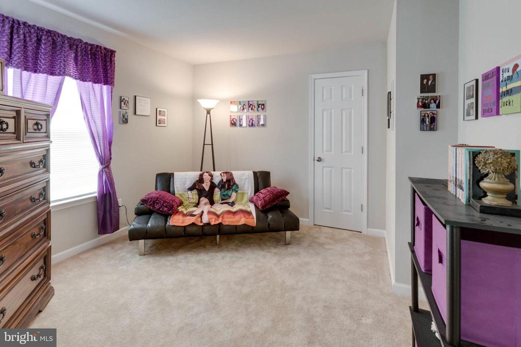 Sitting room in master opposite sleep area - 10283 SPRING IRIS DR, BRISTOW