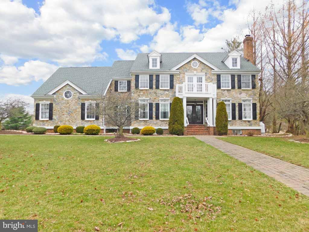 24 GOLFVIEW DR, Ivyland PA 18974