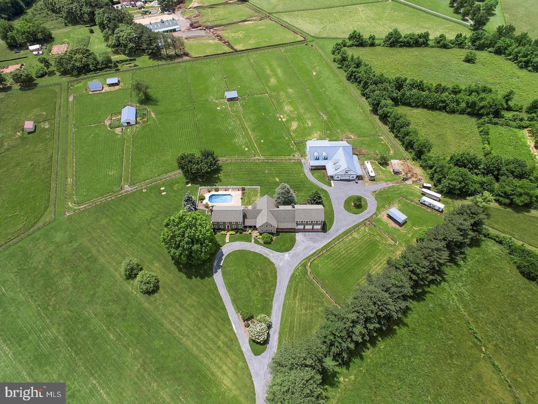 Single Family Homes 为 销售 在 盖瑟斯堡, 马里兰州 20882 美国