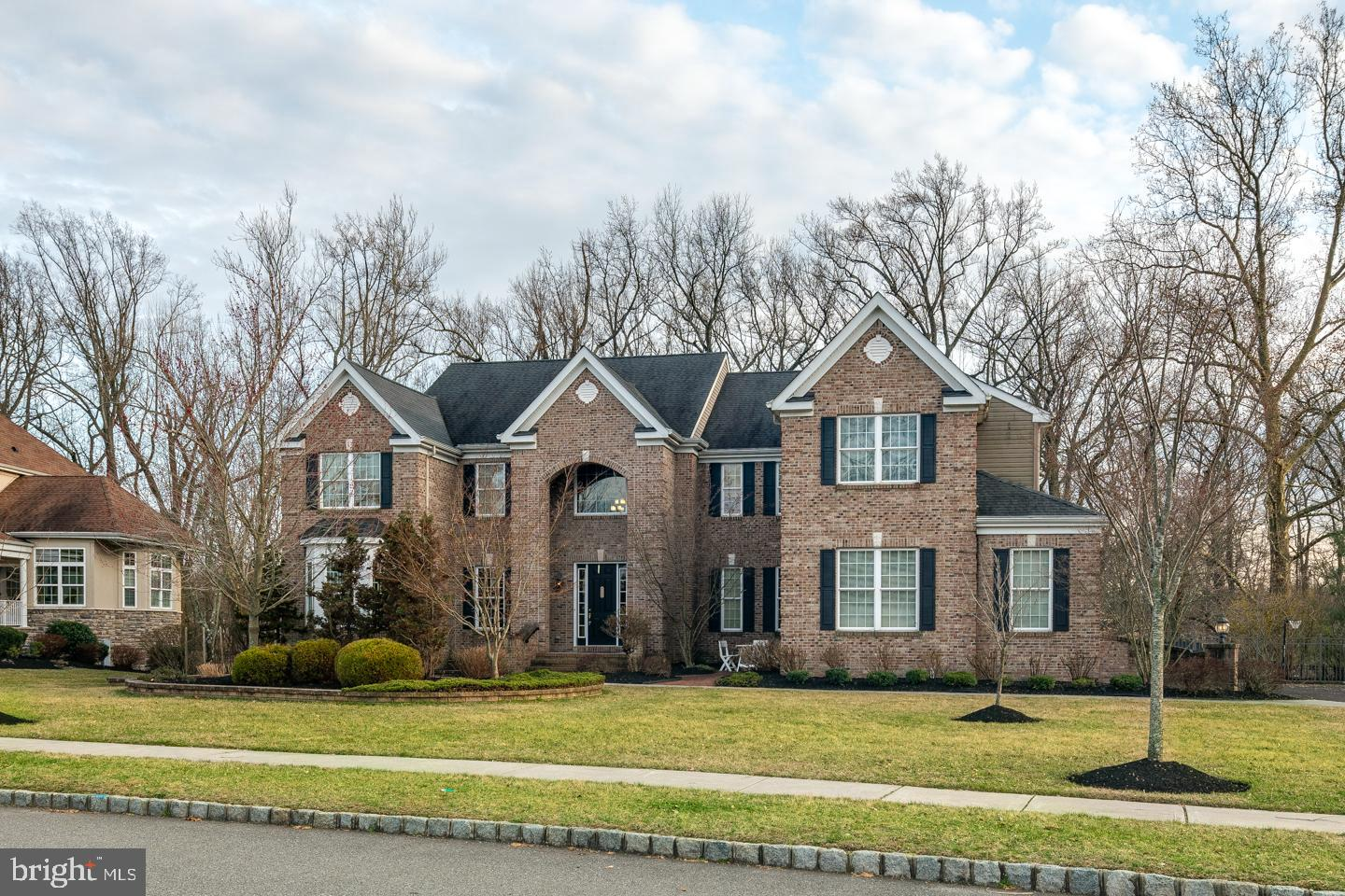 Maison unifamiliale pour l Vente à 506 LEGENDS Court Mickleton, New Jersey 08056 États-Unis