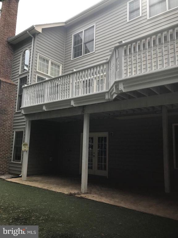 Exterior back with patio - 8913 GRIST MILL WOODS CT, ALEXANDRIA