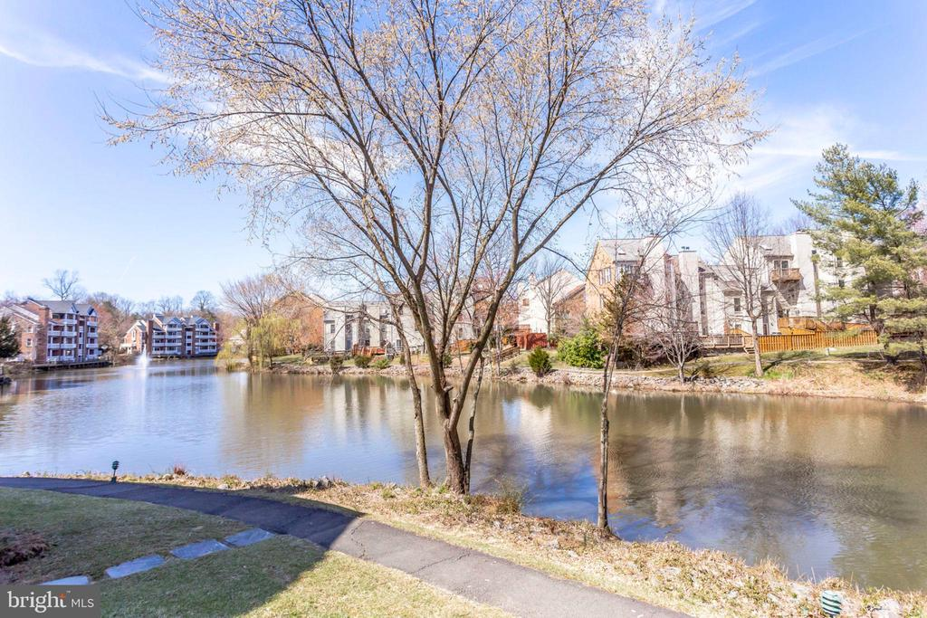 Walking trails - 7592-F LAKESIDE VILLAGE DR, FALLS CHURCH
