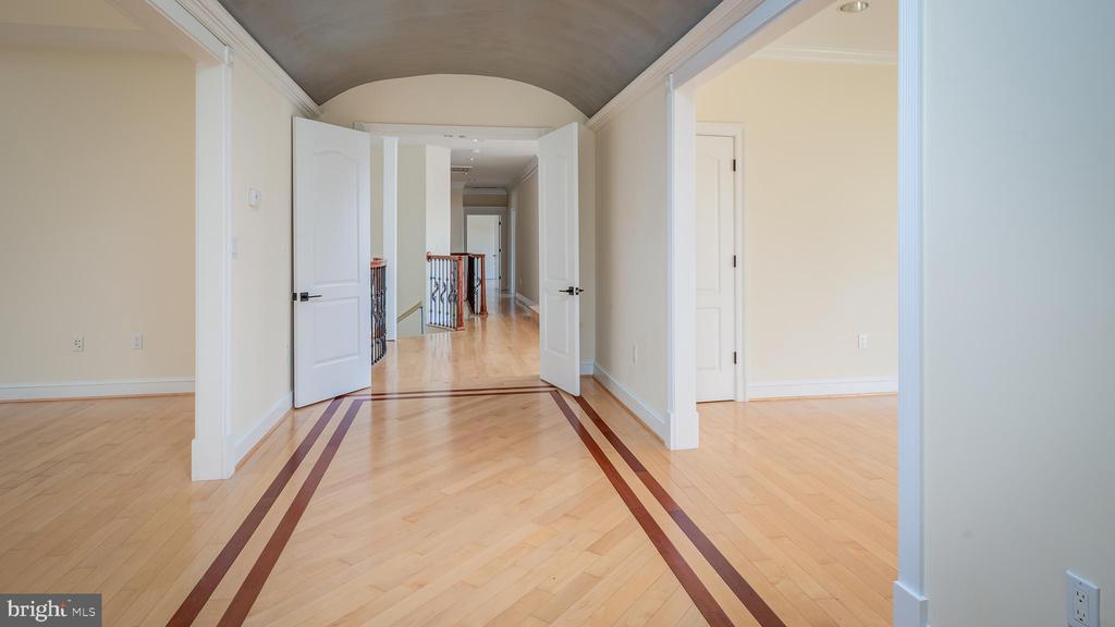 Masre Bedroom - 1413 WYNHURST LN, VIENNA