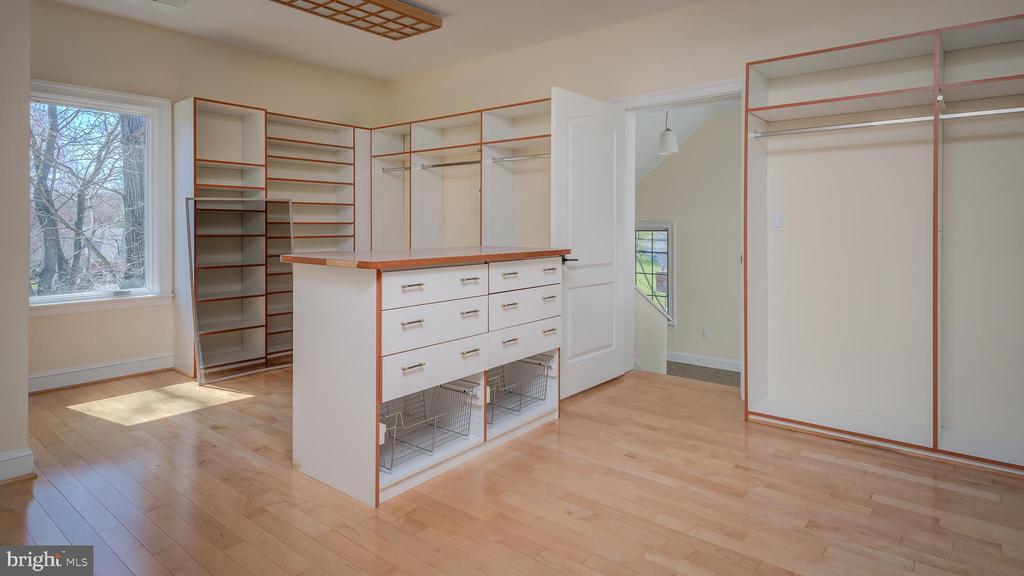 Walk-In Closet for Master Bedroom - 1413 WYNHURST LN, VIENNA