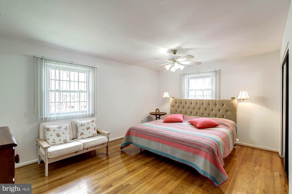 Master Bedroom - 9329 GLENBROOK RD, FAIRFAX
