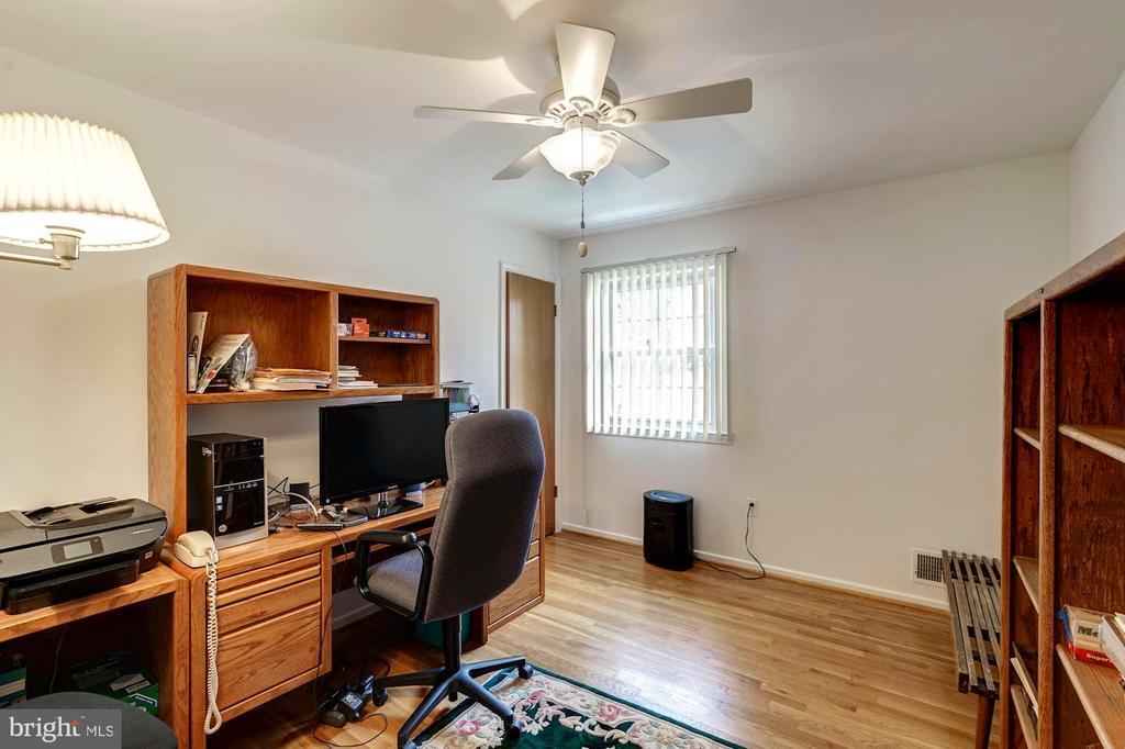 Bedroom 4 used as office - 9329 GLENBROOK RD, FAIRFAX