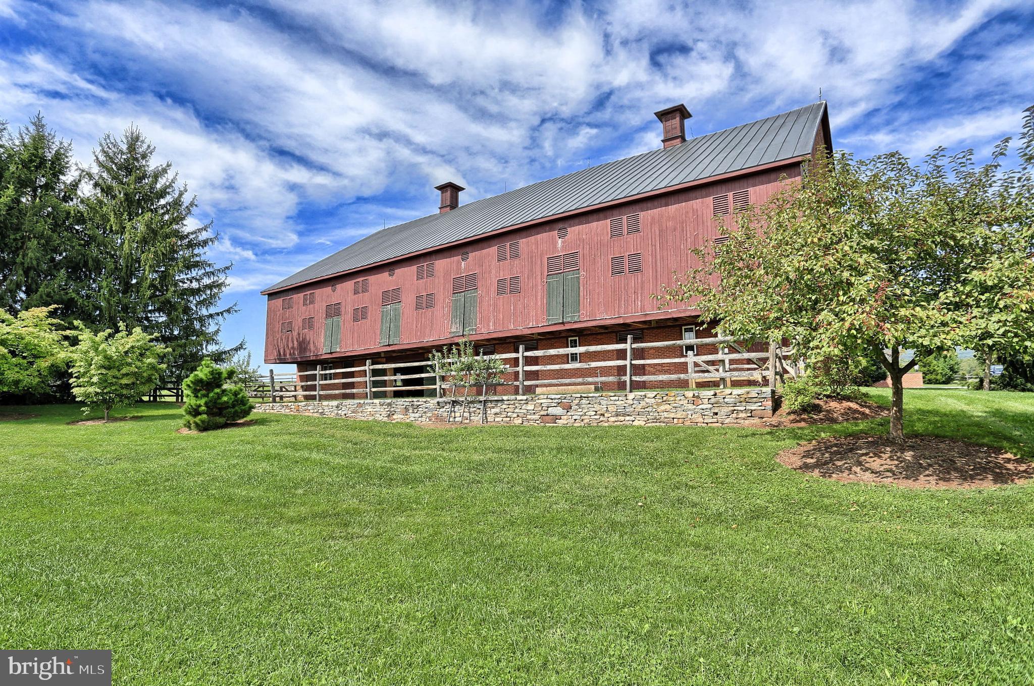 Totally Restored Brick-End Bank-Barn